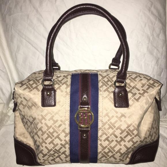 5d16460cf1 Tommy Hilfiger Bags | Beige Signature Bag | Poshmark